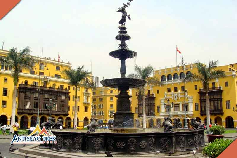 city of colonial Lima and modern.